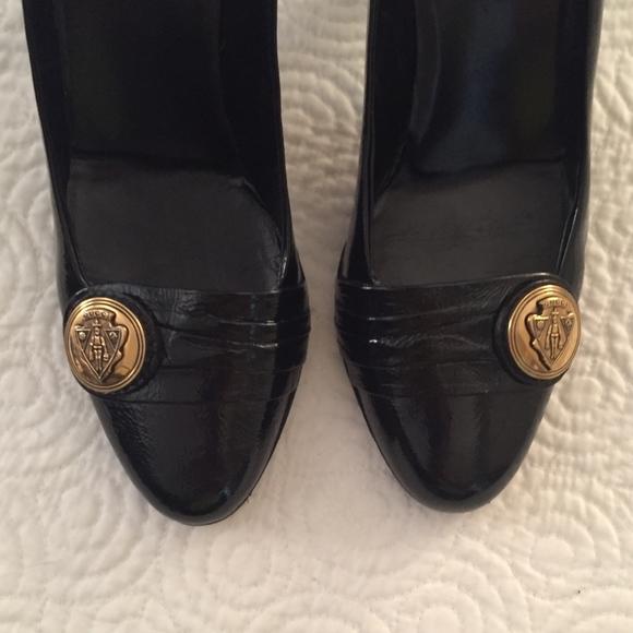 544acfbd173 Gucci Shoes - Vintage GUCCI Classic Pumps Size 10 !
